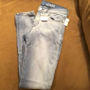 NWT Size 30 tall Gap jeggings in lighter wash